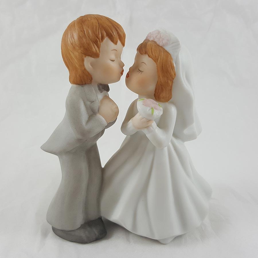 Lefton China Bride & Groom Figurine