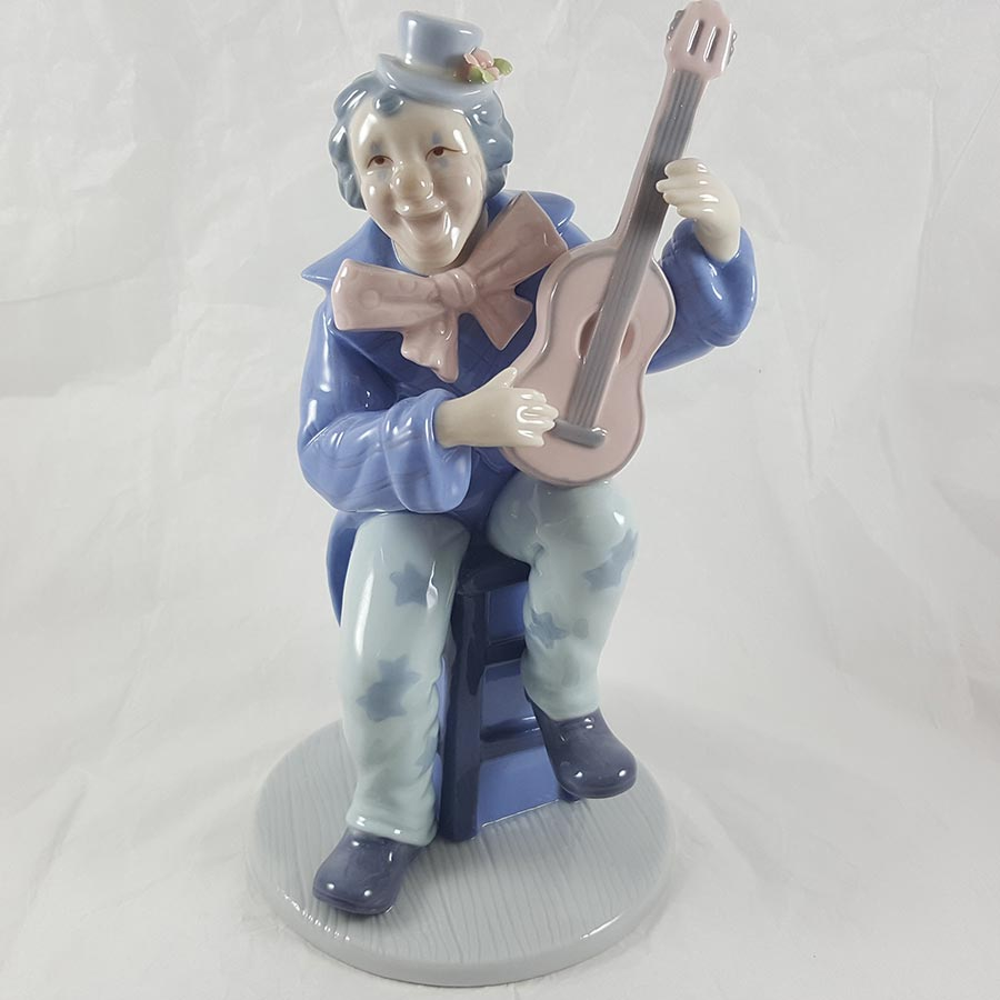 Cosmos Gifts Porcelain Clown with Guitar
