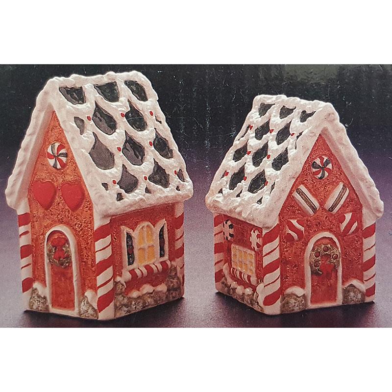 Potpourri Designs Salt and Pepper Gingerbread Houses